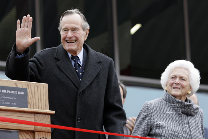 <p>Former President George H.W. Bush and Barbara Bush arrive for a ceremony to dedicate an expanded gallery that carries his name at the National Museum of the Pacific War in Fredericksburg, Texas, on Dec. 7, 2009. (Photo: Eric Gay/AP) </p>