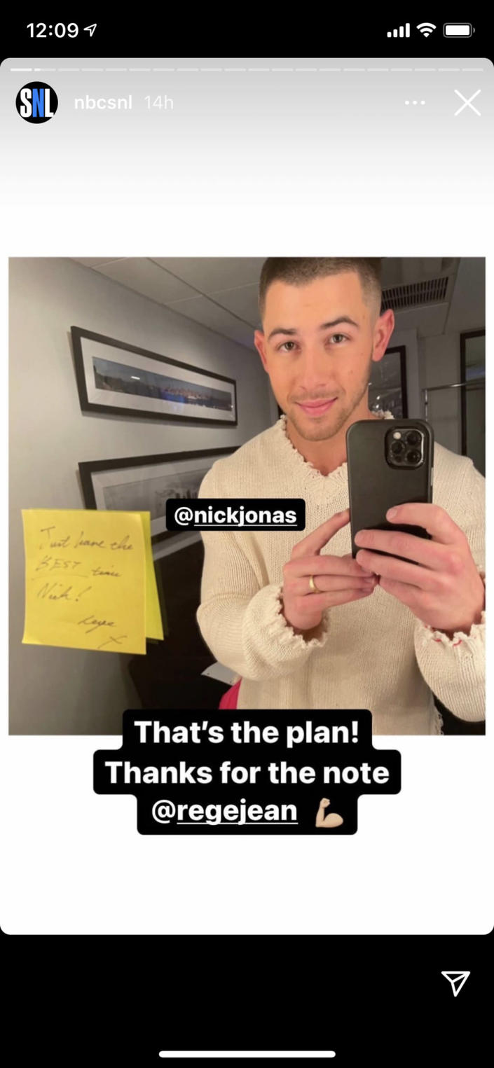 Page kept the trend going with a note for Jonas. Will he keep it going? You'll have to wait a few weeks to find out. (nbcsnl / Instagram)