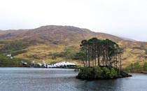 """<p>Loch Eilt is also the sad setting where Harry and the gang find Hagrid skimming stones over the water following the trial of his beloved Buckbeak, in Harry Potter and the Prisoner of Azkaban.</p><p><a class=""""link rapid-noclick-resp"""" href=""""https://www.countrylivingholidays.com/tours/scotland-highlands-steam-train-jacobite"""" rel=""""nofollow noopener"""" target=""""_blank"""" data-ylk=""""slk:RIDE PAST EILT ON THE JACOBITE TRAIN"""">RIDE PAST EILT ON THE JACOBITE TRAIN</a></p>"""