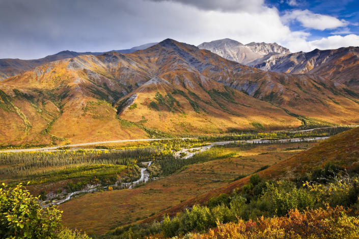 Scenic view of Brooks Range, Dietrich River and the Dalton Highway, Gates of the Arctic National Park & Preserve, Arctic Alaska. (Photo: Getty Images)