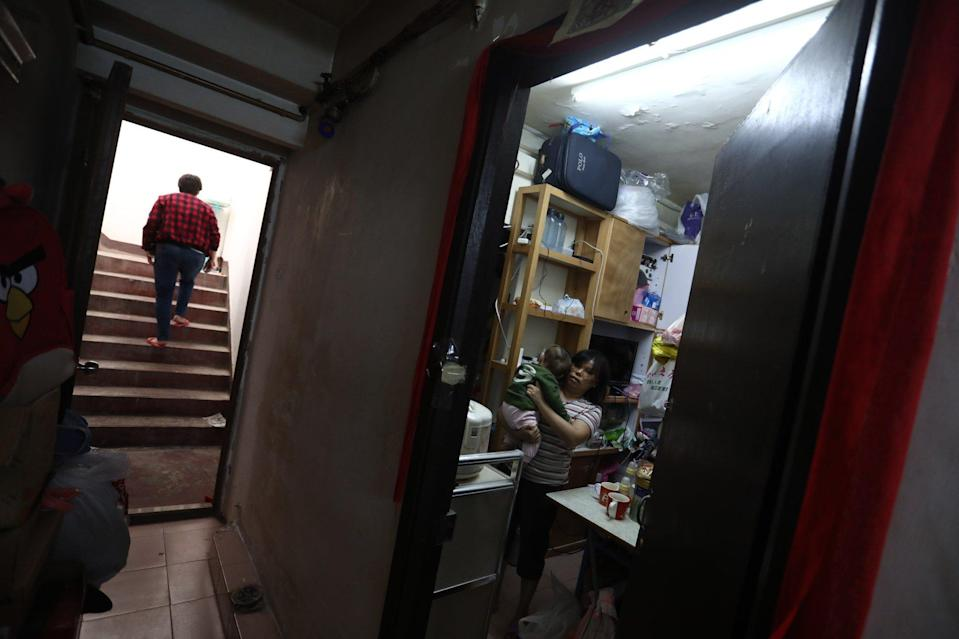 Tenants of Hong Kong's subdivided flats have welcomed the idea of keeping their rent levels under control. Photo: Jonathan Wong
