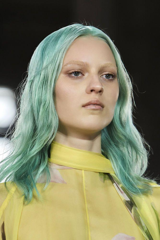 <p>Whether you tried Drew Barrymore's acid blonde or experimented with Gwen Stefani's iconic blue space buns, this decade wasn't the kindest to split ends. </p>
