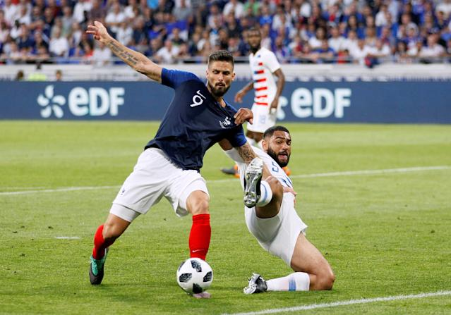 Soccer Football - International Friendly - France vs USA - Groupama Stadium, Lyon, France - June 9, 2018 France's Olivier Giroud in action with USA's Cameron Carter-Vickers REUTERS/Emmanuel Foudrot