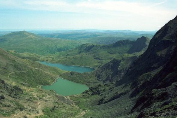 Hhttp://cms.aol.com/737/content/posts/create/ikers find body of a man on Snowdonia mountain