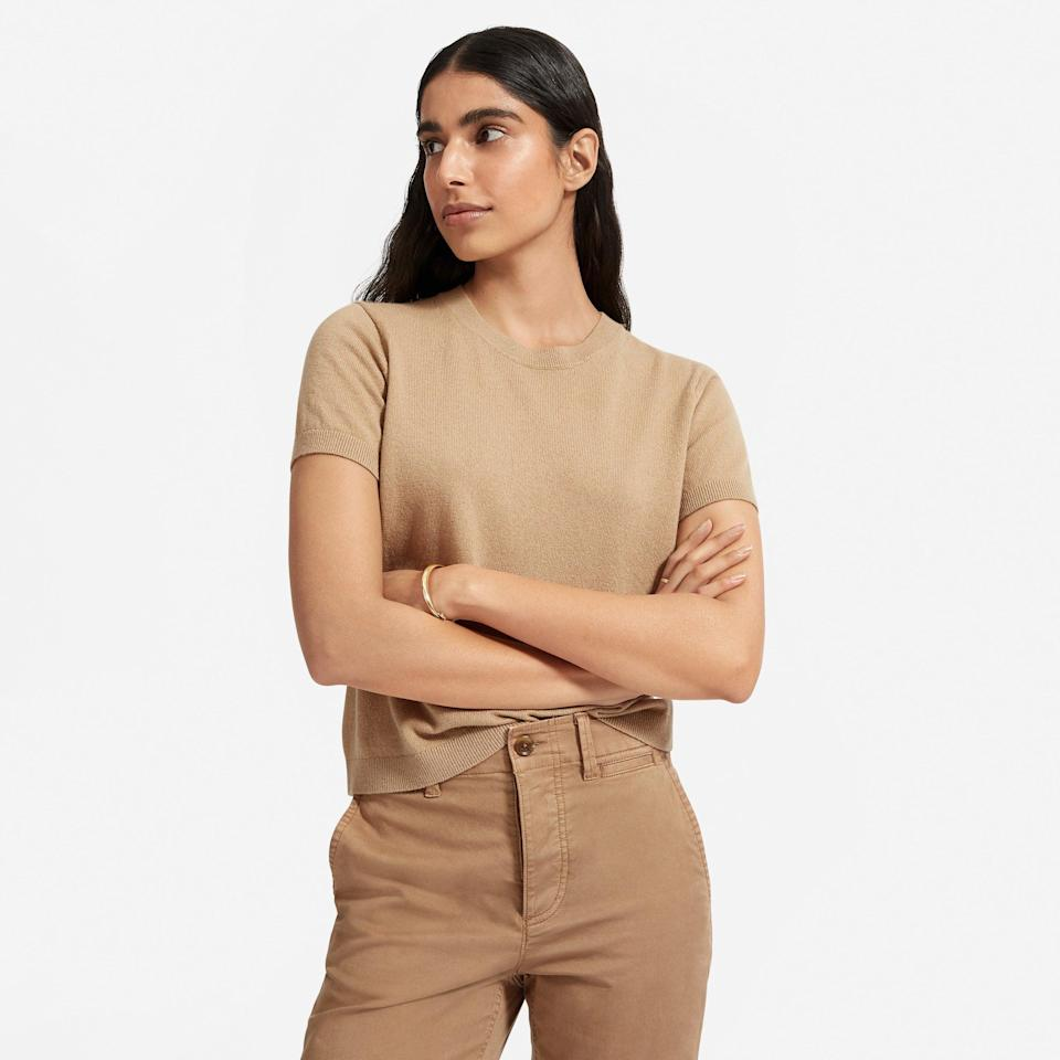 """<br><br><strong>Everlane</strong> The Cashmere Sweater Tee - Camel, $, available at <a href=""""https://go.skimresources.com/?id=30283X879131&url=https%3A%2F%2Fwww.everlane.com%2Fproducts%2Fwomens-cashmere-tee-camel"""" rel=""""nofollow noopener"""" target=""""_blank"""" data-ylk=""""slk:Everlane"""" class=""""link rapid-noclick-resp"""">Everlane</a>"""