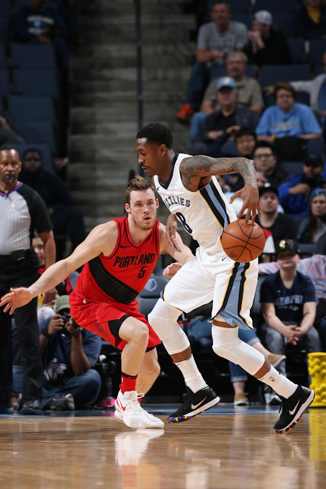MEMPHIS, TN - MARCH 28: MarShon Brooks #8 of the Memphis Grizzlies handles the ball during the game against the Portland Trail Blazers on March 28, 2018 at FedExForum in Memphis, Tennessee. (Photo by Joe Murphy/NBAE via Getty Images)