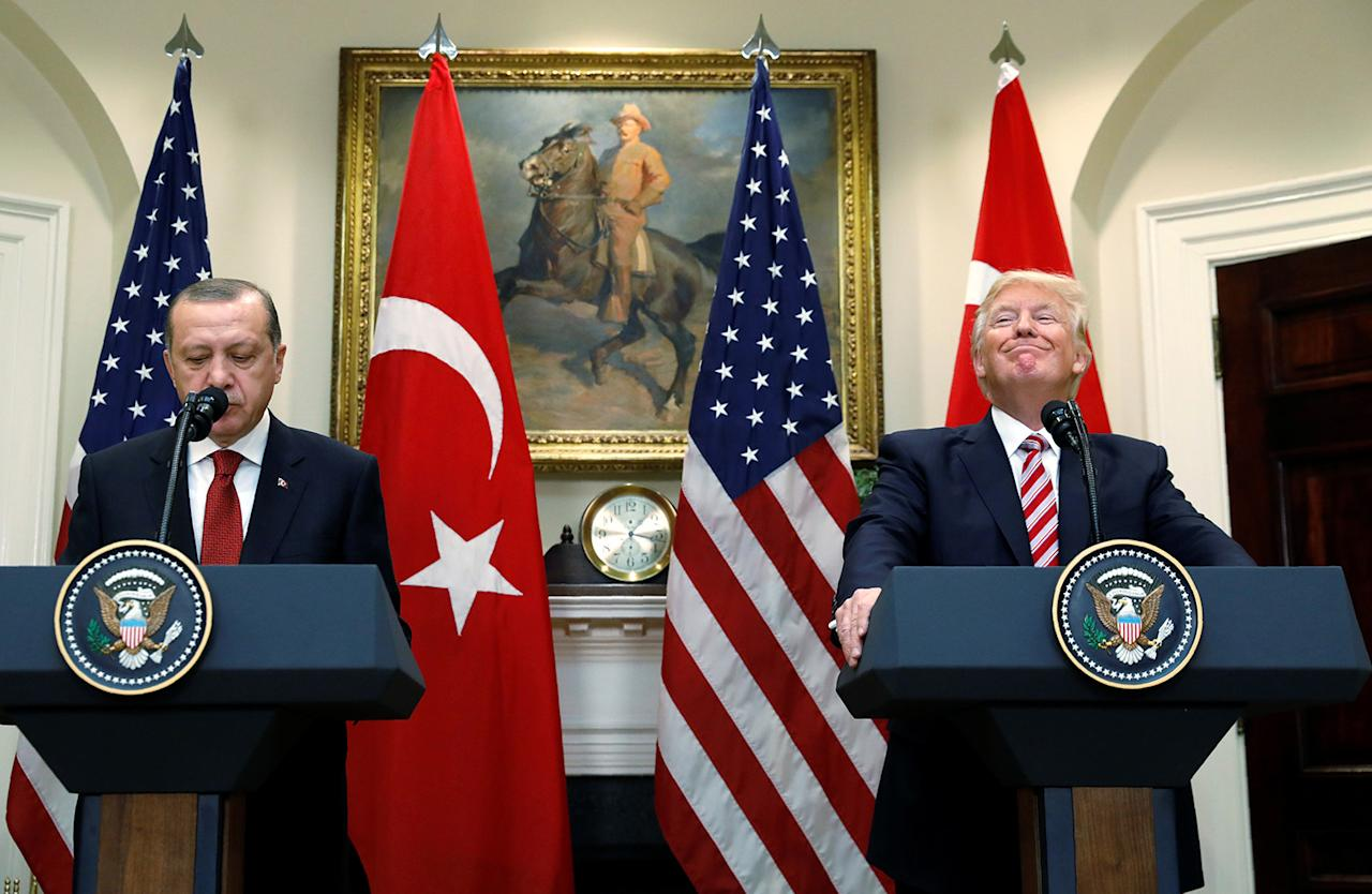 <p>Turkey's President Recep Tayyip Erdogan (L) and U.S President Donald Trump deliver statements to reporters in the Roosevelt Room of the White House in Washington, U.S. May 16, 2017. (Photo: Kevin Lamarque/Reuters) </p>