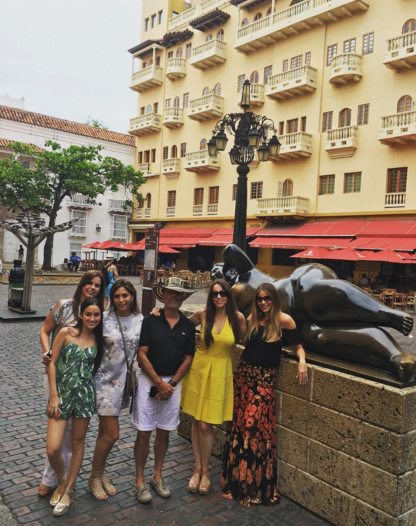 "Vergara made time to explore some of the city with her gang of girlfriends, too— well, and one dude who looks pretty pleased with himself. ""Cartageneando,"" she wrote by the picture along with a kissy face emoji and some hearts. (Photo: Instagram)"