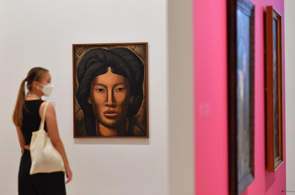 New York art collectors prefer by far to buy works from local galleries rather than online platforms.