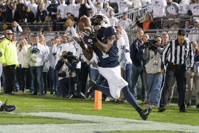 "<a class=""link rapid-noclick-resp"" href=""/ncaaf/players/275476/"" data-ylk=""slk:KJ Hamler"">KJ Hamler</a> (1) caught two touchdown passes in Penn State's 28-21 win over Michigan. (Photo by Gregory Fisher/Icon Sportswire via Getty Images)"