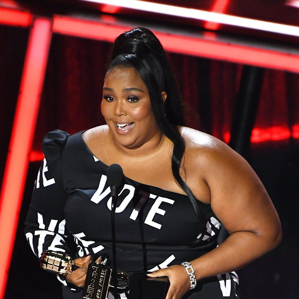 Lizzo Kept Her BBMAs Hairstyle Subtle So Her Nails and Dress Could Do Most of the Talking