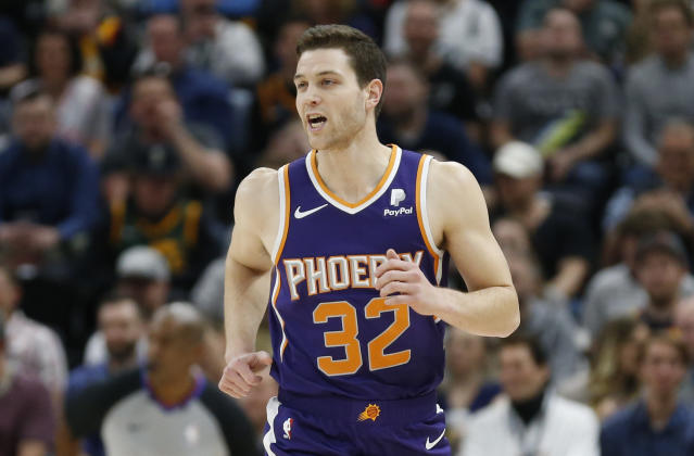 After a brief stint with the Phoenix Suns, Jimmer Fredette will play for the Golden State Warriors in Summer League. (AP Photo/Rick Bowmer)