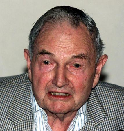 File phot: David Rockefeller speaks to members of the media at a press conference prior to leaving Cuba February 18, 2001.  RP/RCS