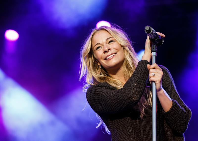 b395f743b7d4 VANCOUVER, BC - AUGUST 21: Singer LeAnn Rimes performs on stage at PNE  Amphitheatre
