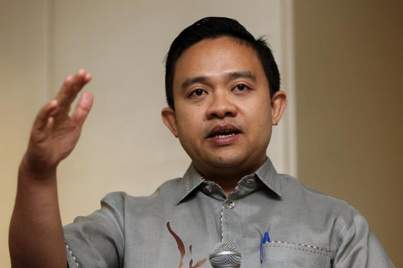"""Bersatu's Information Chief Wan Saiful Wan Jan said the Agong is not """"a rubber stamp"""" for Prime Minister Tan Sri Muhyiddin Yassin. ― Picture by Saw Siow Feng"""