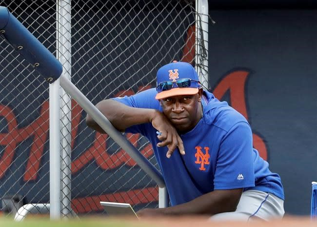 Mets hitting coach Chili Davis off-site when camp opens