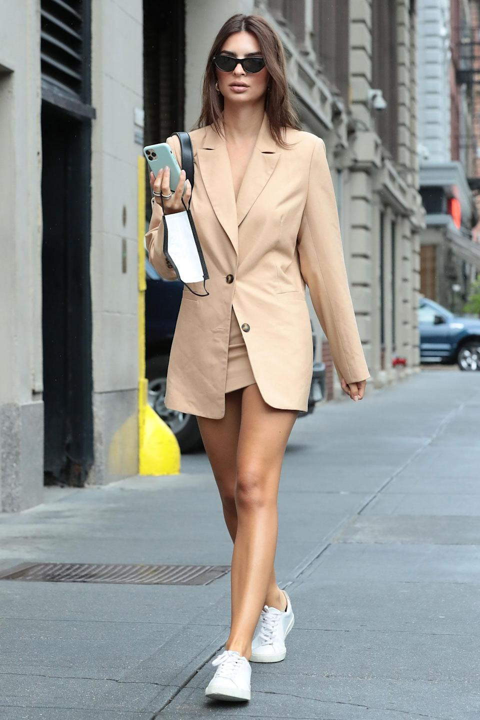 <p>Emily Ratajkowski looks chic in an oversized blazer during a Friday stroll in New York City.</p>