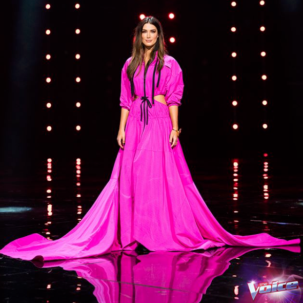 <p>The 33-year-old made a bold statement wearing a stunning floor-length hot pink gown. Source: Nine </p>