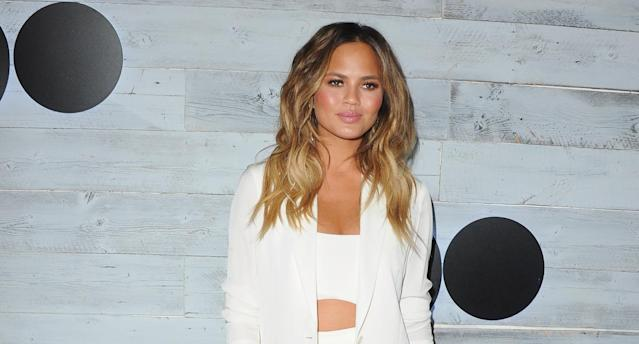 Chrissy Teigen takes to Twitter to talk about a wardrobe malfunction. (Photo: Getty Images)
