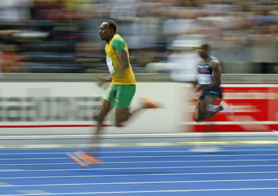 Bolt storms ahead of the field in the 2009 World Championships 200m final. (Reuters)