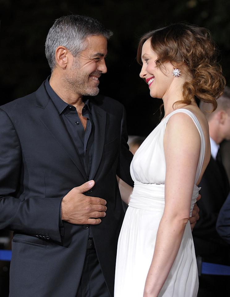 "<a href=""http://movies.yahoo.com/movie/contributor/1800019715"">George Clooney</a> and <a href=""http://movies.yahoo.com/movie/contributor/1800354486"">Vera Farmiga</a> at the Los Angeles premiere of <a href=""http://movies.yahoo.com/movie/1810062520/info"">Up in the Air</a> - 11/30/2009"