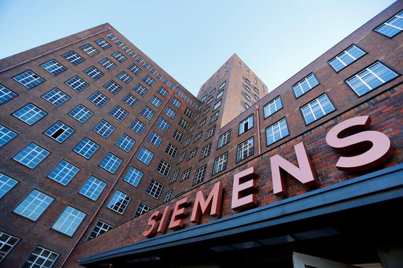 Siemens forecasts modest sales growth as speeds up cost cuts