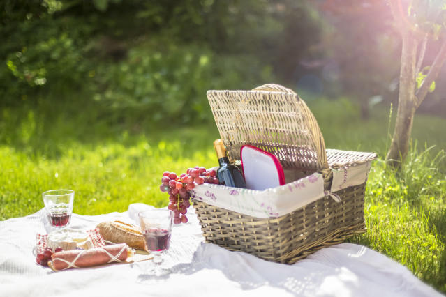 6 of the best picnic baskets the high street has to offer. (Getty Images)