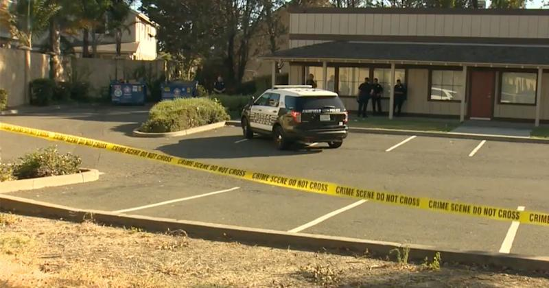 Newborn Twins Found Abandoned Behind California Shopping Plaza -- and One of Them Has Died