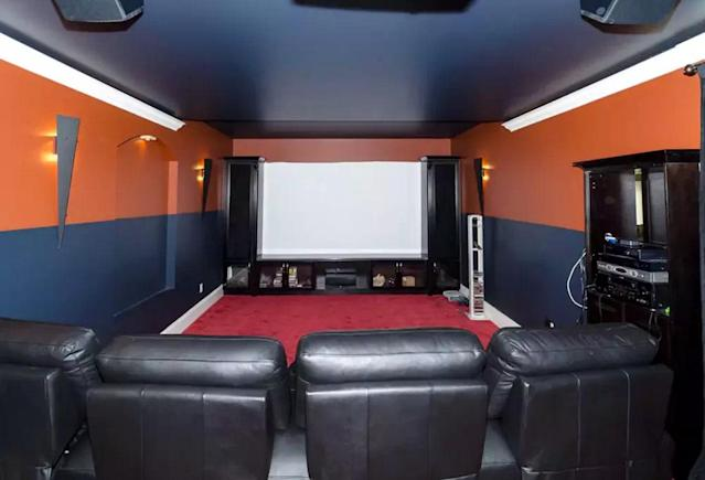 <p>Oh, there's an eight-person screening room too. (Airbnb) </p>