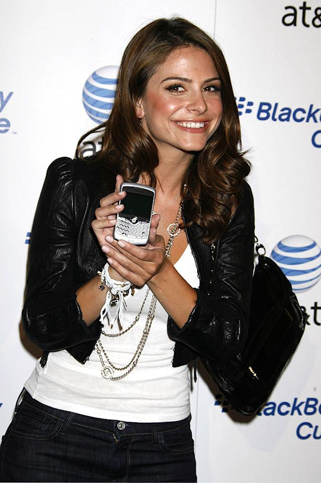 "Maria Menounos with a BlackBerry Curve phone. Jeffrey Mayer/<a href=""http://www.wireimage.com"" target=""new"">WireImage.com</a> - May 31, 2007"