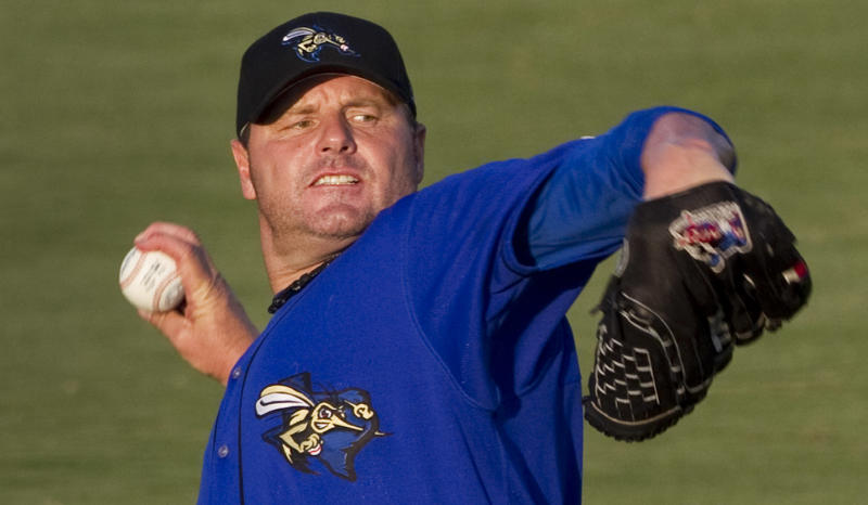 Sugar Land Skeeters starter Roger Clemens warms up before a minor league baseball game against the Long Island Ducks at Constellation Field Friday, Sept. 7, 2012, in Sugar Land, Texas. (AP Photo/Houston Chronicle, Brett Coomer)  MANDATORY CREDIT