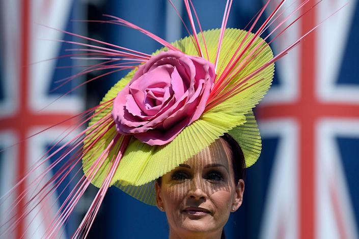 <p>A racegoer at Ascot Racecourse at the Royal Ascot on June 20, 2017. (Toby Melville/Reuters) </p>