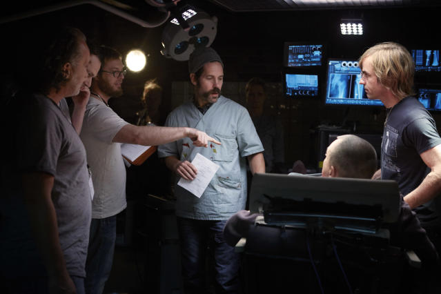 Duncan Jones directs Rudd and Theroux on the set of <i>Mute</i> (Photo: Netflix)