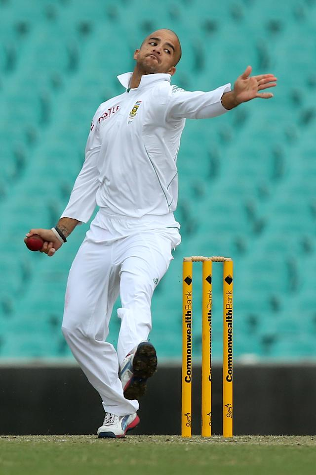 SYDNEY, AUSTRALIA - NOVEMBER 03:  JP Duminy of South Africa bowls during day two of the International TOur Match between Australia A and South Africa at Sydney Cricket Ground on November 3, 2012 in Sydney, Australia.  (Photo by Chris Hyde/Getty Images)