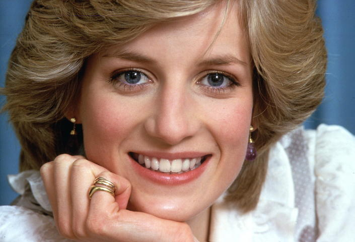 LONDON, UNITED KINGDOM - FEBRUARY 01:  Diana, Princess Of Wales, Smiling During A Private Photo Session At Her Home, Kensington Palace. 1st Febuary 1983  (Photo by Tim Graham Photo Library via Getty Images)