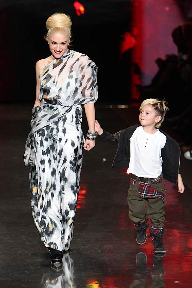 """A bright moment in an otherwise lackluster New York Fashion Week? Gwen Stefani struttin' her stuff down the runway of her hit L.A.M.B. fall 2011 show with her 4-year-old son Kingston Rossdale. Cute! JP Yim/<a href=""""http://www.wireimage.com"""" target=""""new"""">WireImage.com</a> - February 17, 2011"""