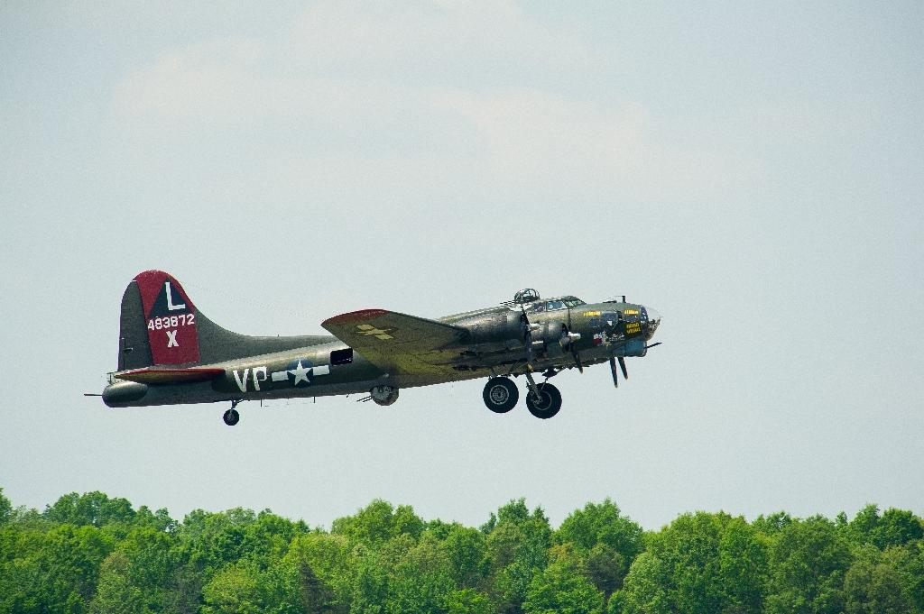 A WWII Boeing B-17 Flying Fortress takes off from the Manassas Regional Airport in Virginia (AFP Photo/Karen Bleier)