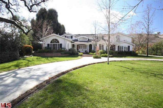 <p>This is from the listing before Richards bought the house.</p>