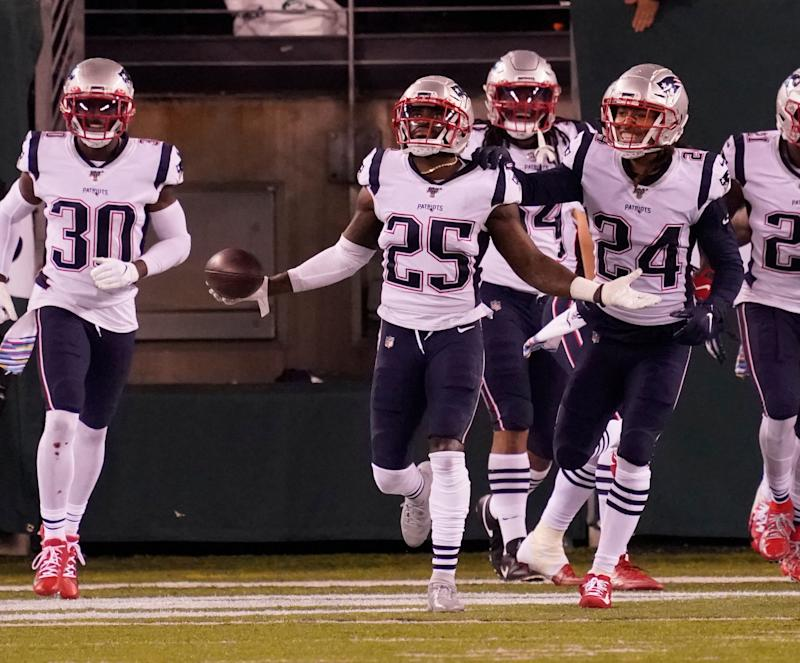 The Patriots defense is a juggernaut, but save the historical comparisons for after it has played somebody. (Robert Deutsch/Reuters)