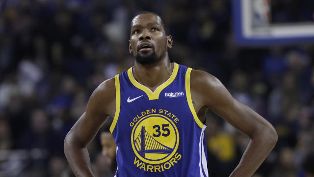 Kevin Durant may have been unhappy his brother sent out cryptic messages that may have been about Draymond Green. (AP Photo)
