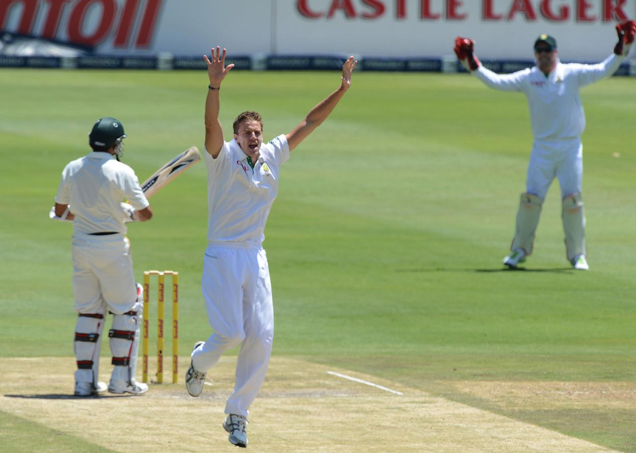 JOHANNESBURG, SOUTH AFRICA - FEBRUARY 02:  Morne Morkel of South Africa appeals for a lbw during day 2 of the 1st Test match between South Africa and Pakistan at Bidvest Wanderers Stadium on February 02, 2013 in Johannesburg, South Africa.  (Photo by Duif du Toit/Gallo Images/Getty Images)