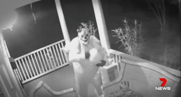 The 'clown craze' has taken off and people are being spooked. Source: 7 News