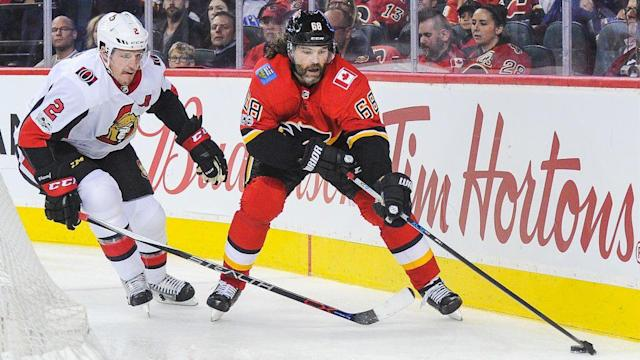"<a class=""link rapid-noclick-resp"" href=""/nhl/players/35/"" data-ylk=""slk:Jaromir Jagr"">Jaromir Jagr</a> has yet to heat up, but the <a class=""link rapid-noclick-resp"" href=""/nhl/teams/cgy/"" data-ylk=""slk:Calgary Flames"">Calgary Flames</a> are excelling. (CP)"