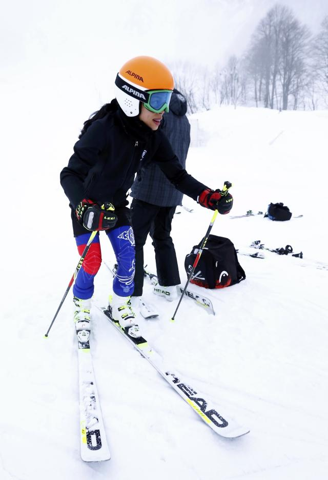 Thailand's Vanessa Mae attends a training session ahead of the women's Alpine skiing giant slalom during the 2014 Sochi Winter Olympics at the Rosa Khutor Alpine Center February 17, 2014. REUTERS/Ruben Sprich (RUSSIA - Tags: SPORT OLYMPICS SPORT SKIING)