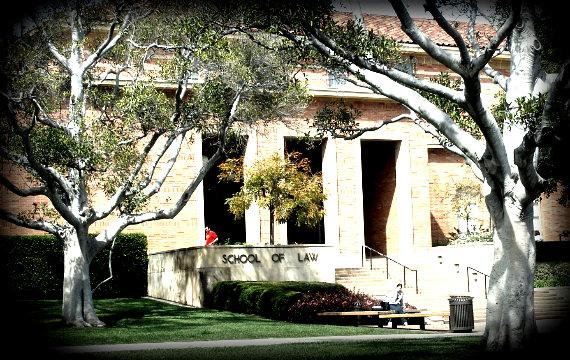 570_UCLA_School_of_Law_south_entrance_Wikimedia.jpg