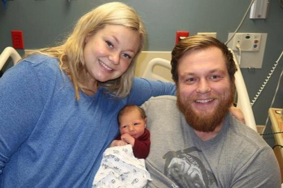 Minnesota man Andrew Goette was found not breathing by his wife Ashley as she was due to be induced to give birth. Source: GoFundMe/ Miracle Man, Ashley and Baby Lenny