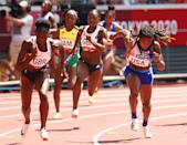 <p>Despite withdrawing from the 200m due to a torn hamstring, Dina Asher-Smith made an epic return in the 4x100m relay heats, as she helped the squad set a new national record. Their time of 41.55 seconds secured them a place in the final.<br><br></p>
