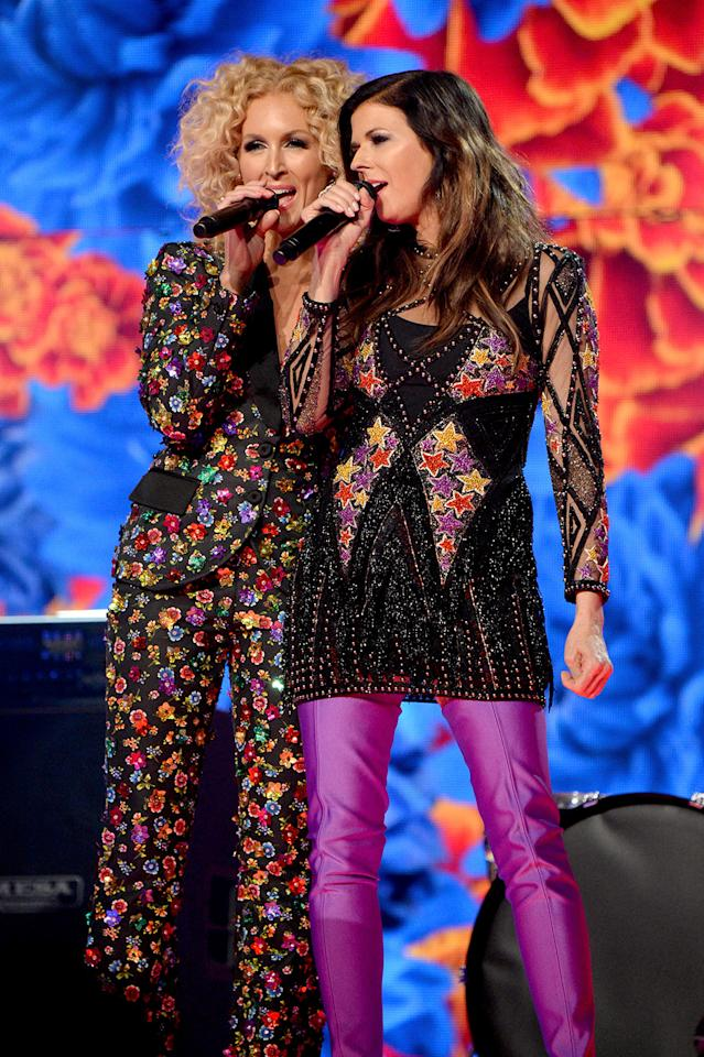 <p>Kimberly Schlapman (L) and Karen Fairchild of music group Little Big Town perform onstage during the 52nd Academy Of Country Music Awards at T-Mobile Arena on April 2, 2017 in Las Vegas, Nevada. (Photo by Kevin Mazur/ACMA2017/Getty Images for ACM) </p>