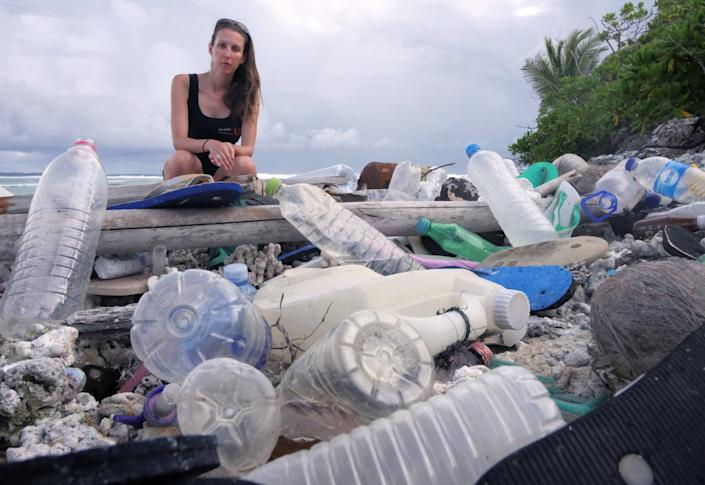 Jennifer Lavers with Cocos Is plastic.