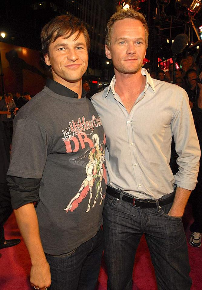 """""""How I Met Your Mother's"""" Neil Patrick Harris proudly shows off his main squeeze David Burtka. Kevin Mazur/<a href=""""http://www.wireimage.com"""" target=""""new"""">WireImage.com</a> - November 15, 2007"""
